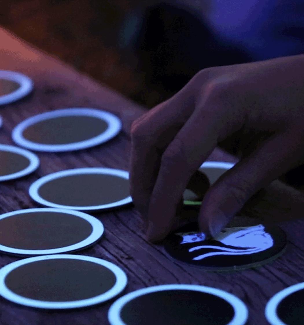 Zappenduster-Leuchtmemo-Zauberer-kinderspiel-kindergeschenk-familienspiel-Leuchtmemo Gedächtnistraining-World-Memory-Champion-Simon-Reinhard